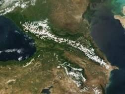 Rossiya-segodnya-vystraivaet-strategicheskuyu-kavkazskuyu-politiku-ekspert-Kavkaz_kosmos