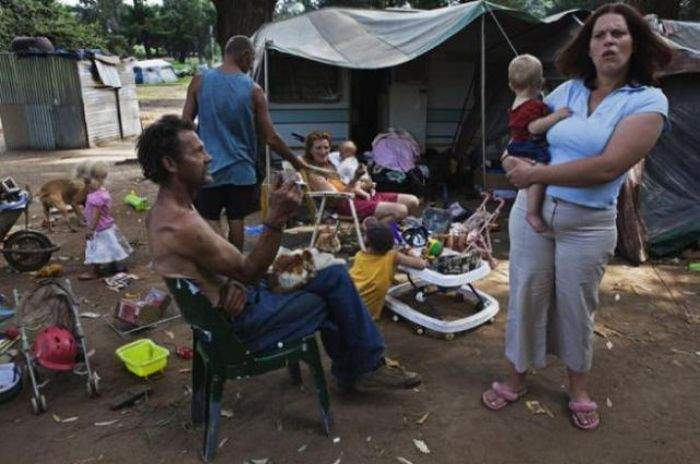 white_south_africans_living_in_povetry_13