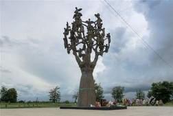 V-Severnoy-Osetii-otrestavriruyut-monument-zhertvam-terakta-v-Beslane-Beslan