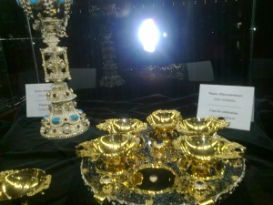 Выставка - драгоценные изделия