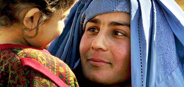 afghan-mother-with-child