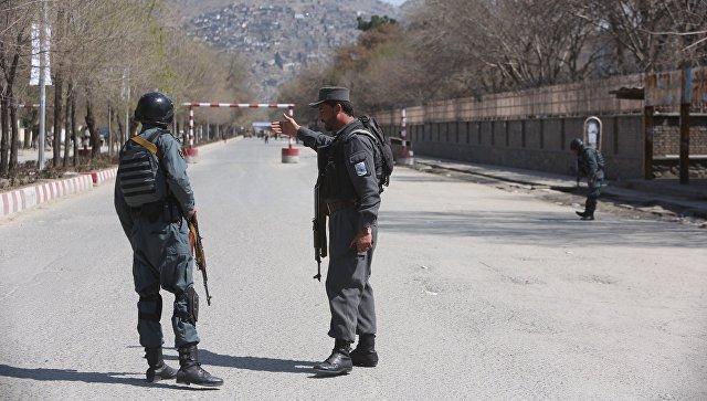 Талибы атакуют столицу афганской провинции, столкновения продолжаются